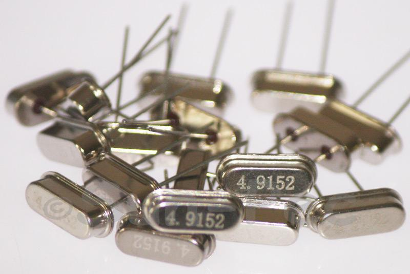 4.9152 MHz Crystal Oscillator Low Profile HC-49S 5pcs - 50pcs