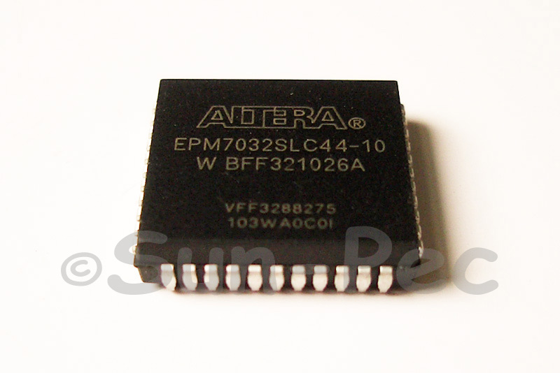 EPM7032SLC44-10 ALTERA Programmable Logic IC 32 macrocells 2 logic arrays 36-pins 10ns PLCC-44 1pcs